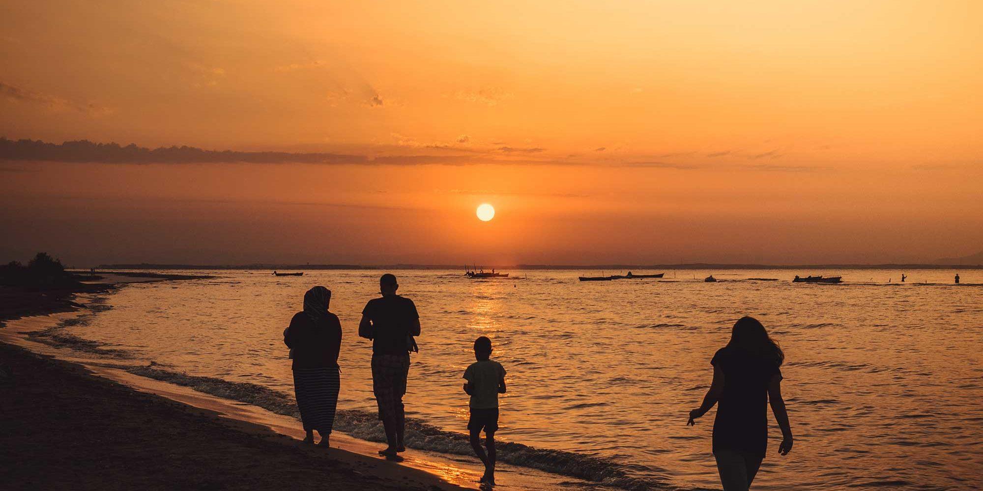 backlit-beach-dawn-1129615-resized